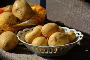 Potatoes shouldn't eat raw